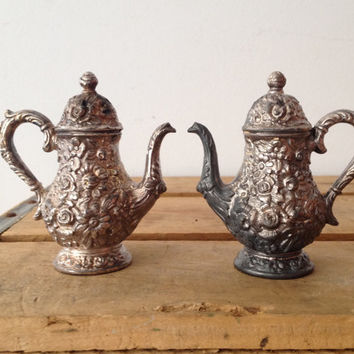 Silver Teapot - Salt & Pepper Shaker - Vintage - Home Decor - Serving WB MANUFACTURING CO - Weidlich Bros