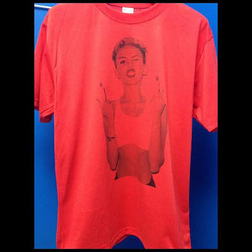 NEW look Miley Cyrus Middle Finger hannah montana Parody Red Crewneck Paris Swag Hipster Tank Top