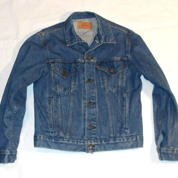 Vintage Levi's Trucker Jacket Size 40R Medium-Dark Wash Made in USA