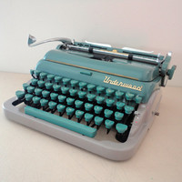 Underwood Queit Deluxe Typewriter from 1950s A Great Working Typewiter Quiet De Luxe