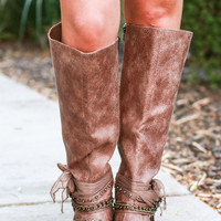 FALLING FOR FALL BOOTS