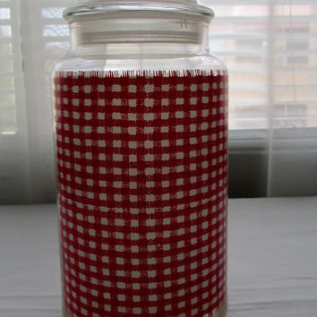 13-1114 Vintage 1970s Glass Jar with Lid Red Gingham Apathecary Jar / Glass Jar / Candy Jar /