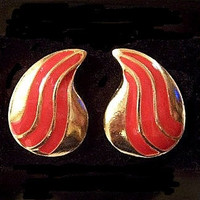 Red Paisley Disc Pierced Post Earrings Gold Tone Swirl Stripe Long Curved Striped Design