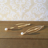 Pearl Gold Hair Clip, Gold Hair Accessory, Gold Pearl Hair Clip, Bridesmaid Hair Clip, Gold Hair Pin, Wedding Hair Clip Valentine's Day Gift