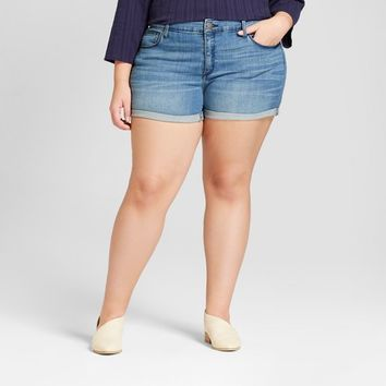 Women's Plus Size Midi Jean Shorts - Universal Thread™ Medium Wash