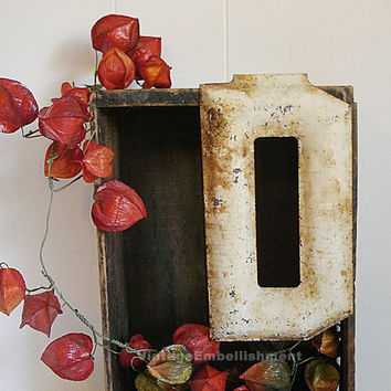 Antique Rusty Letter D Vintage Marquee Metal Industrial Signage
