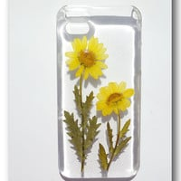 Handmade iPhone 5 case Resin with Real flower by Annysworkshop