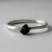 Black ring Minimal Modern simple drop raw tourmaline ring