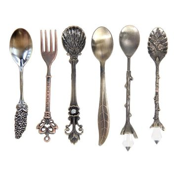6Pcs/Set Vintage Spoons Fork Royal Style Metal Carved Mini Coffee Spoons Kitchen Accessories fruit prikkers dessert Fork