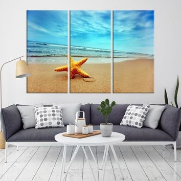86008 - Starfish on the Beach Wall Art Canvas Print