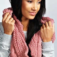 Ellie Cable Knit Chunky Snood
