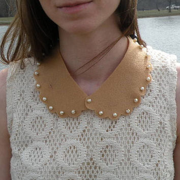 Scalloped Felt Peter Pan Collar Necklace by mypoeticmemory on Etsy