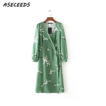 Summer dress women v neck long sleeve beach dress 2018 Vintage floral print wrap Sexy bow lace up casual party dresses