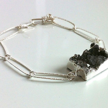 Sterling Silver Grey Agate Druzy Bracelet Sterling Silver Hammered Oval Link Chain Hand Forged Clasp Artisan Bracelet Made in Canada