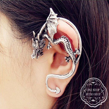 Winged Dragon Ear Cuff Wrap. Game of Thrones style ear piece. Stud Ear ring. Silver/Champagne/Black Ear Cuff. Gothic Dragon Earring