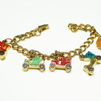 Vintage Car Charm Bracelet with Automobile Charms - New York Charm -  Enamel Red, Goldtone, Green - Vintage 1950's - 1960's