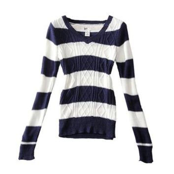 TopStyliShop Woman's Braid Knit V Neck Sweater in Stripe S102512
