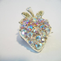 Vintage Strawberry Brooch Pin Iridescent Aurora Borealis Fruit Costume Jewelry Fashion Accessories For Her