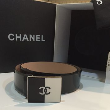 12C. Auth. Chanel CC Logo Black White Patent Leather Belt. Sz.80/32