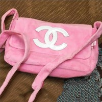 Chanel new style generous fashion women with single shoulder bag plush cosmetic bag