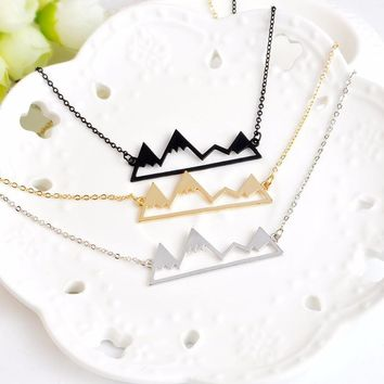 Immovable Pendant Necklace