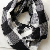 Plaid Infinity Scarf Black/ White
