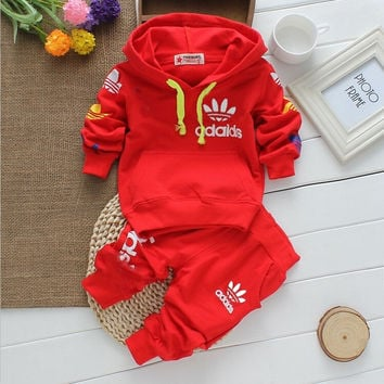 2016 new arrival High quality baby boys&girls clothes baby tracksuit brand sport sets long sleeve+pants 2pcs Christmas infant