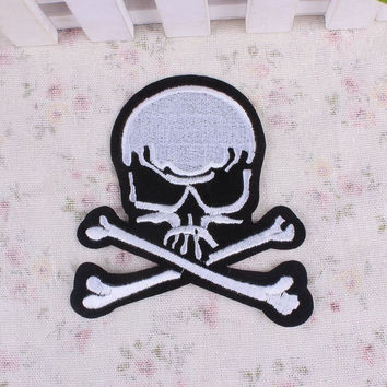 Free Shipping Punk Iron On Patches Skull Skeleton Embroidery Patch Biker Motif Clothes Stickers Badges DIY Accessories