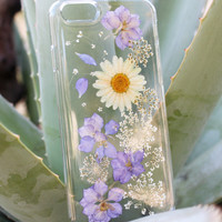 Hand Selected Natural Dried Pressed Flowers Handmade on iPhone 5 5s Crystal Clear Case: White Daisy Purple Passion Flower Design