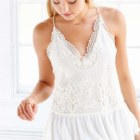 Kimchi Blue Lulu Lace Cami - Urban Outfitters