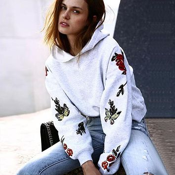 Autumn Winter Fashion Vintage Butterfly Roses Floral Print Women Hoodies Sweatshirt Long Sleeve Pullovers Hoody WS2197V