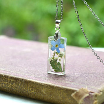 "Pressed Flowers Resin Pendant With Forget Me Not Babys Breath and Fern Leaf ""Summer Gardens"""