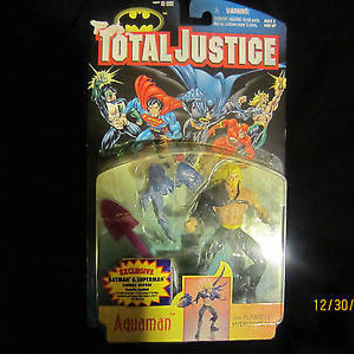""" TOTAL JUSTICE  AQUAMAN W/ BLASTING HYDRO SPEAR""  NO RESERVE"