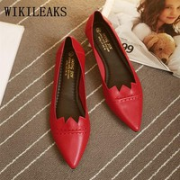 Autumn Korean fashion loafers women pointed toe flats slip on shoes for women white shoes sapatos femininos leather shoes woman