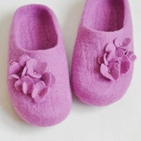 Felted slippers - Lilac flowers