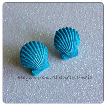 Little Mermaid earrings / scallop earrings / mermaid earrings / little mermaid cosplay / polymer clay shell