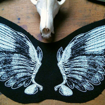 Wings back patch - sew on punk back patch, nu goth angel, feathers, rock Goth patch, demonic, occult patch pagan patch, screen print patch