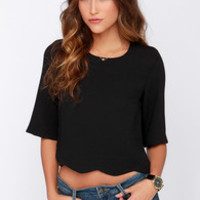 Scallop Your Game Black Crop Top