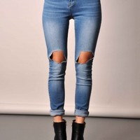 CLOTHING : Dena Ripped Jeans