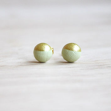 tiny wooden stud earrings light green gold dipped // wood post earrings - 6 mm // everyday jewelry, eco-friendly, pastel stud earringsmm -