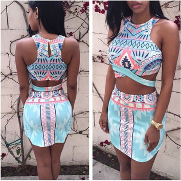 2016 Fashion Print Women 2 Piece Set Knitted Crop Top & Skirt Women Sexy Halter Playsuit Set