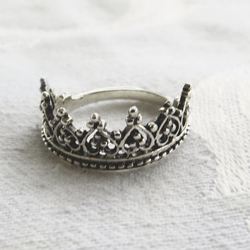 Sterling Silver Crown Ring, Heraldic Ring, Hearts and Beading, Princess Tiara Ring, Royal Jewelry, Size 6.5