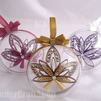 set of 3 custom christmas ornaments in a plastic sphere with a ribbon, hanging christmas bauble, christmas tree decoration, quilled baubles