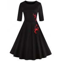 Retro Style Round Neck Floral Embroidery Women's Dress