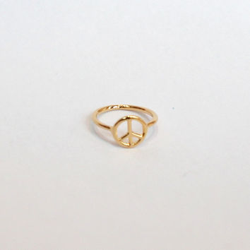 Peace Sign Knuckle Ring - Gold