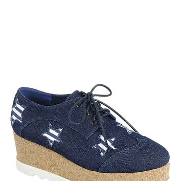 Ladies Fashion Lace Up Oxford with Closed Toe with Decorative Star Details