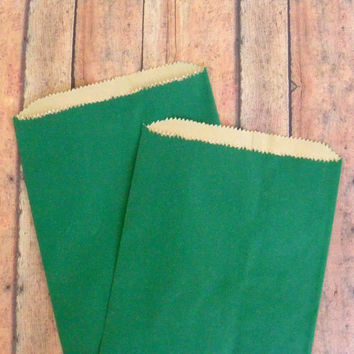 "10 Green Paper Bags, Party Favor Bag, Gift Bag, 6 x 9.25"", Wedding Favor Bag, Candy Bag, Gift Wrap, Hoiliday Gift Bag, Christmas Gift Bag"