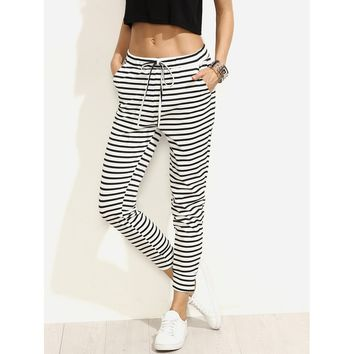 Black And White Mid Waist Sporty Tapered Carrot Capri Pant
