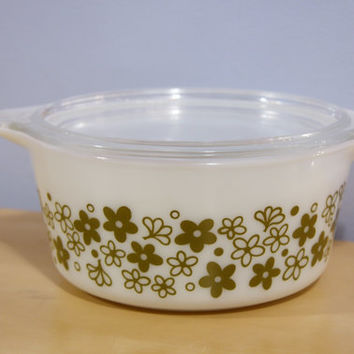 Vintage Spring Blossom Crazy Daisy Pyrex Bake Serve and Store Casserole Dish