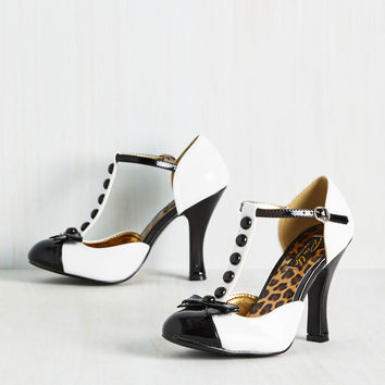 Luxe-y Lady Heels in Black and White | Mod Retro Vintage Heels | ModCloth.com